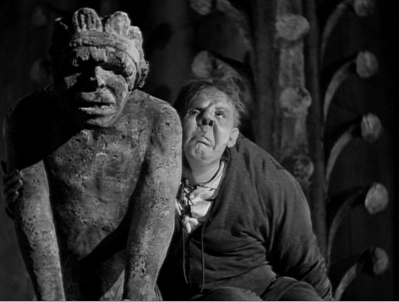 Quasimodo (Charles Laughton) alone at the end 1939 Hunchback of Notre Dame picture image