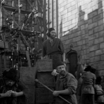 pillory cut 2- extras   1939 Hunchback of Notre dame  picture image