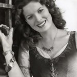 Maureen O'Hara as Esmeralda