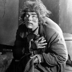 Lon Chaney as the Hunchback of Notre Dame picture image Quasimodo