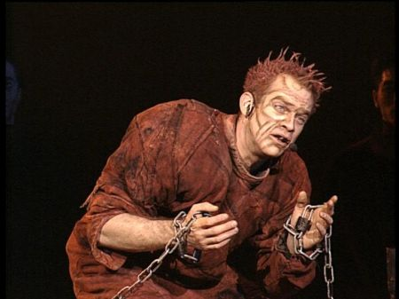 Garou as Quasimodo Notre Dame de Paris image picture