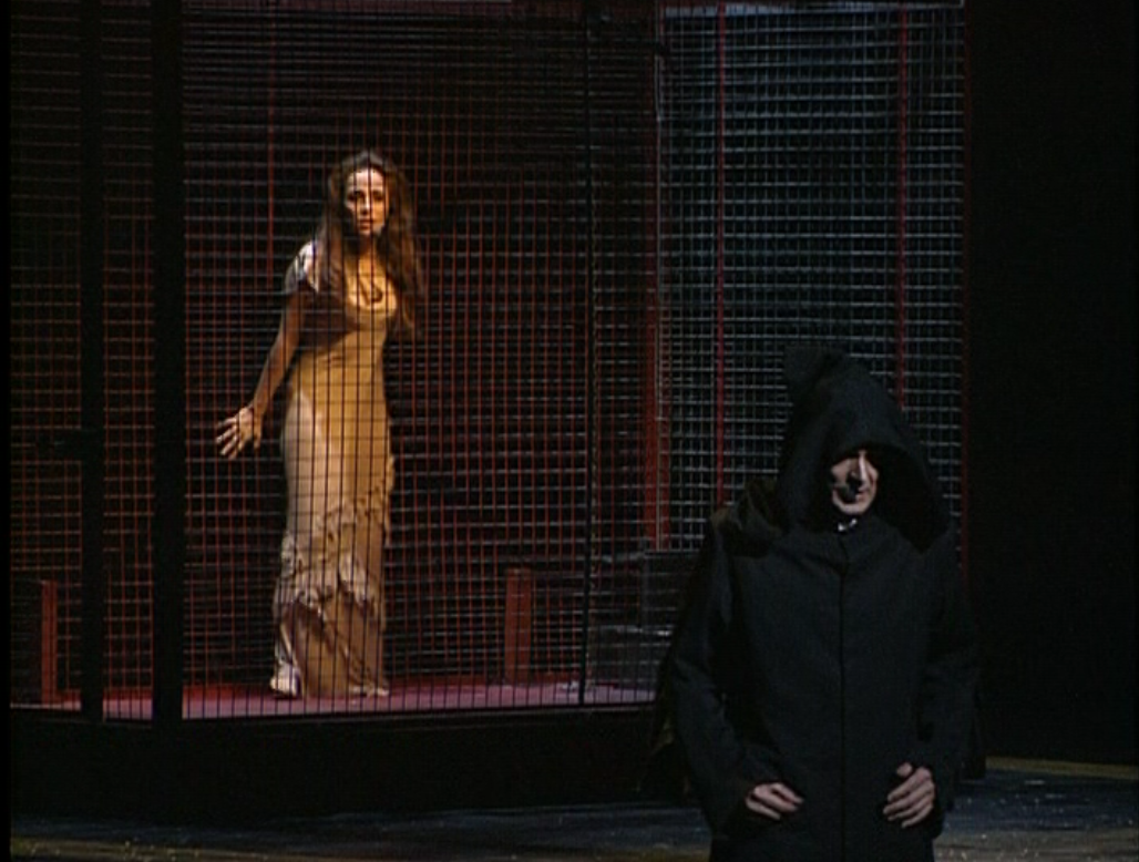 Helene Segara as Esmeralda and Daniel Lavoie as Frollo NOtre Dame de Paris picture image