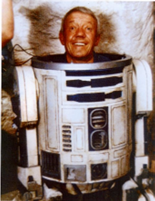 R2D2 and the Hunchback – The Hunchblog - 55.3KB