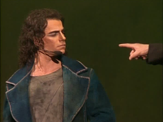 Bruno Pelletier as Gringoire with Daniel Lavoie as Frollo pointing at him picture image