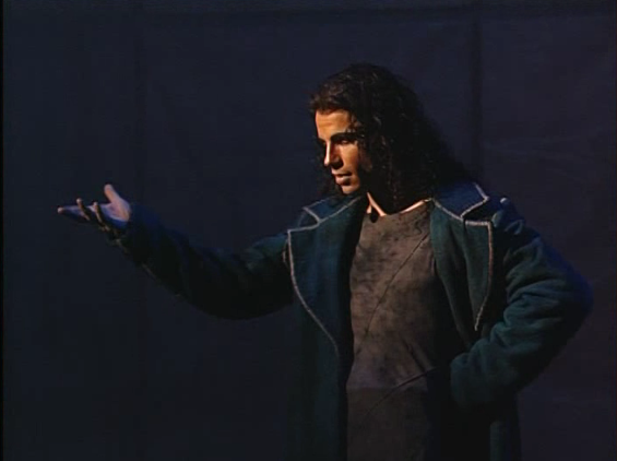 Gringoire singing Le Portes de Paris Bruno Pelletier Notre dame de paris picture image
