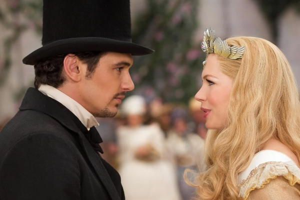 James Franco as Oz and Michelle Williams as Glinda Oz The Great and Powerful picture image