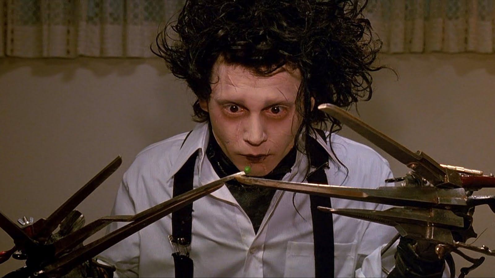 Johnny Depp as Edward Scissorhands & Winona Ryder as Kim Boggs Edward Scissorhands picture image
