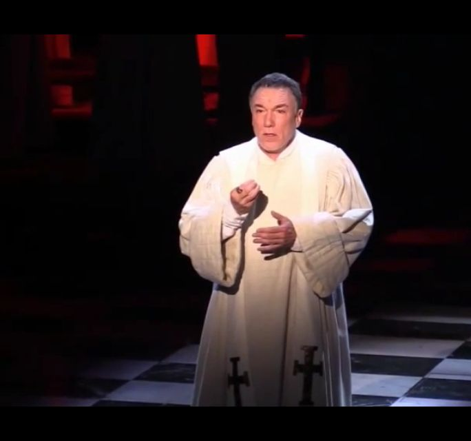 Patrick Page as Frollo singing Hellfire, Papermills Hunchback of Notre Dame, Picture image