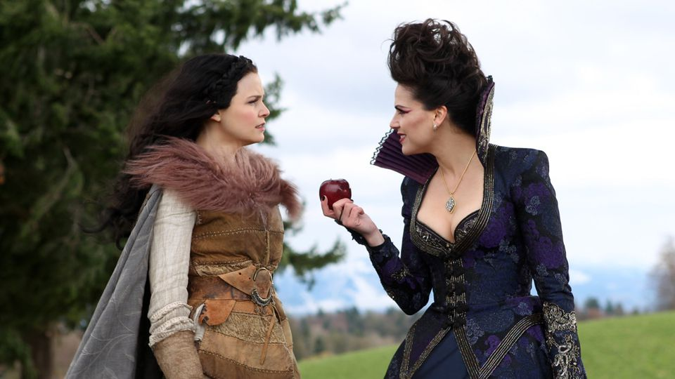 Ginnifer Goodwin as Snow White & Lana Parrilla as Queen Regina ABC's Once Upon a Time, An Apple as Red as Blood picture image