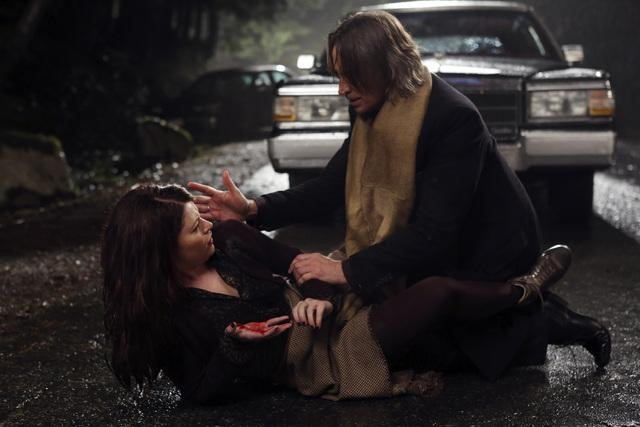 Robert Carlyle as Rumplestiltskin & Emilie de Ravin as Belle Once Upon a Time Season 2 Episode 12 In the Name of the Brother picture image