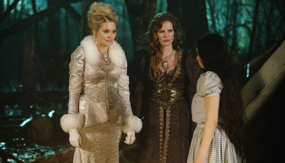 Sunny Mabrey as Glinda, Rebecca Mader as Zelena & Matreya Scarrwener as Dorothy Gale ABCs Once Upon a Time Kansas picture image