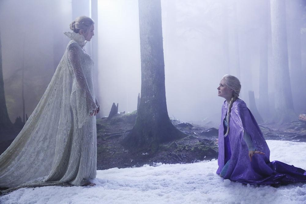 Georgina Haig as Elsa and Elizabeth Mitchell as The Snow Queen ABC Once Upon a Time Breaking Glass picture image