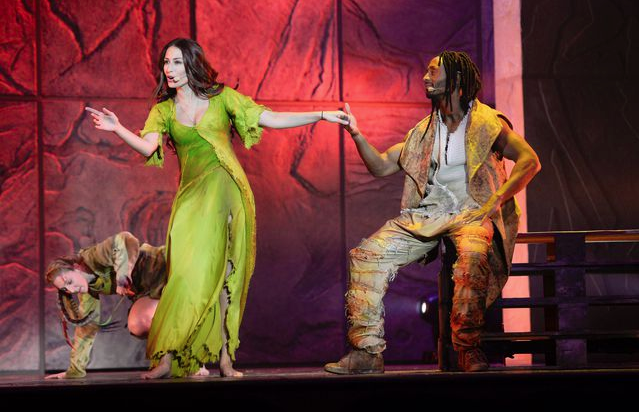 Hiba Tawaji as Esmeralda & Jay as Clopin Notre Dame de Paris picture image