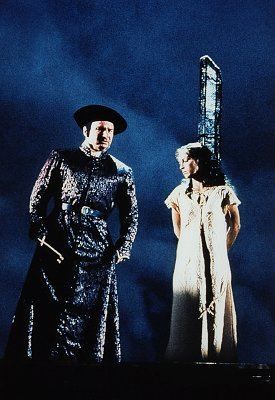 Judy Weiss as Esmeralda with Frollo (Norbert Lamla) Der Glöckner von Notre Dame picture images