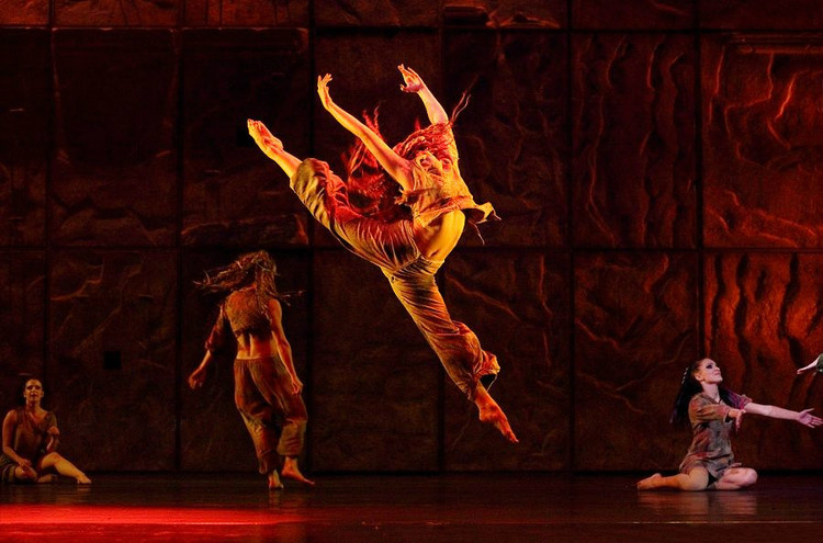 A Dancer performing in Bohomienne in The 2011 Asian Tour of Notre Dame de Paris picture Image