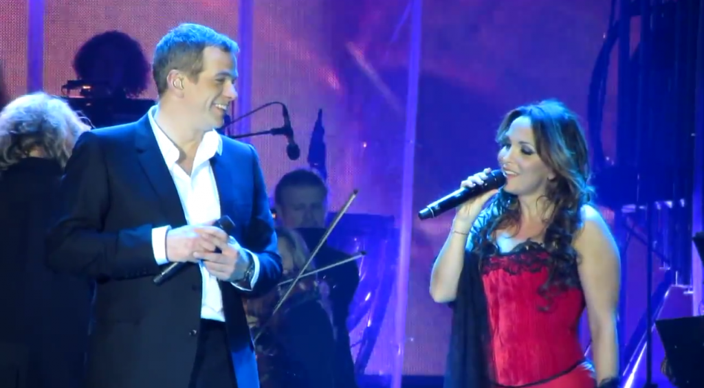 Garou and Helene Segara performing Ma Maison c'est Tu Maison in Kiev picture image