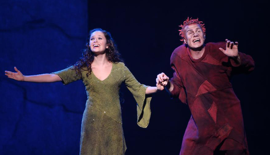 Candice Parise as Esmeralda and Matthew Laurent as Quasimodo Asian Tour Notre Dame de Paris picture image