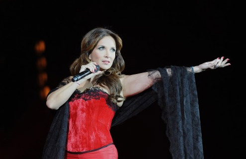 Helene Segara performing Bohemienne at Bercy Concert  picture image