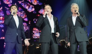 Garou, Daniel Lavoie and Patrick Fiori performing Belle in Bercy picture image