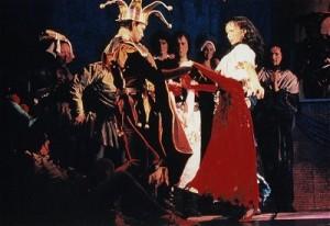 """Esmeralda and Clopin during Drunter Drüber"""" (Topsy Turvy) Der Glöckner von Notre Dame picture image"""