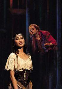 Esmeralda and Quasimodo Der Glöckner von Notre Dame image picture