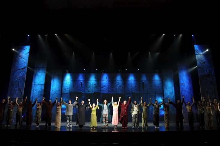 The Cast of the Asian Tour Notre Dame de Paris picture image