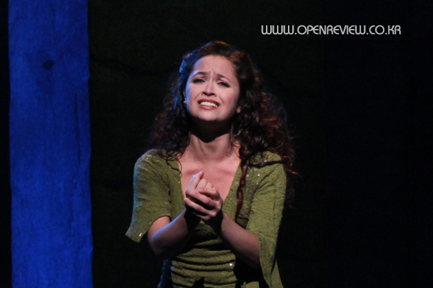 Candice Parise as Esmeralda Notre Dame de Paris Asian Tour picture image