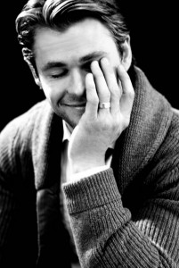 Chris Hemsworth Smiling picture igame