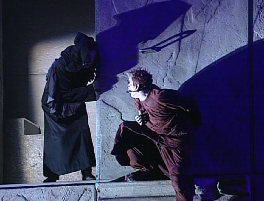 Daniel Lavoie as Frollo and Garou as Quasimodo performing Mon Maitre, mon saver Notre Dame de Paris picture image