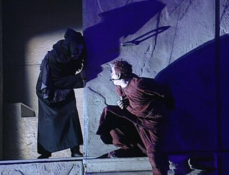 Daniel Lavoie as Frollo and Garou as Quasimodo performing Mon Maitre, mon saver Notre Dame de Paris picture image