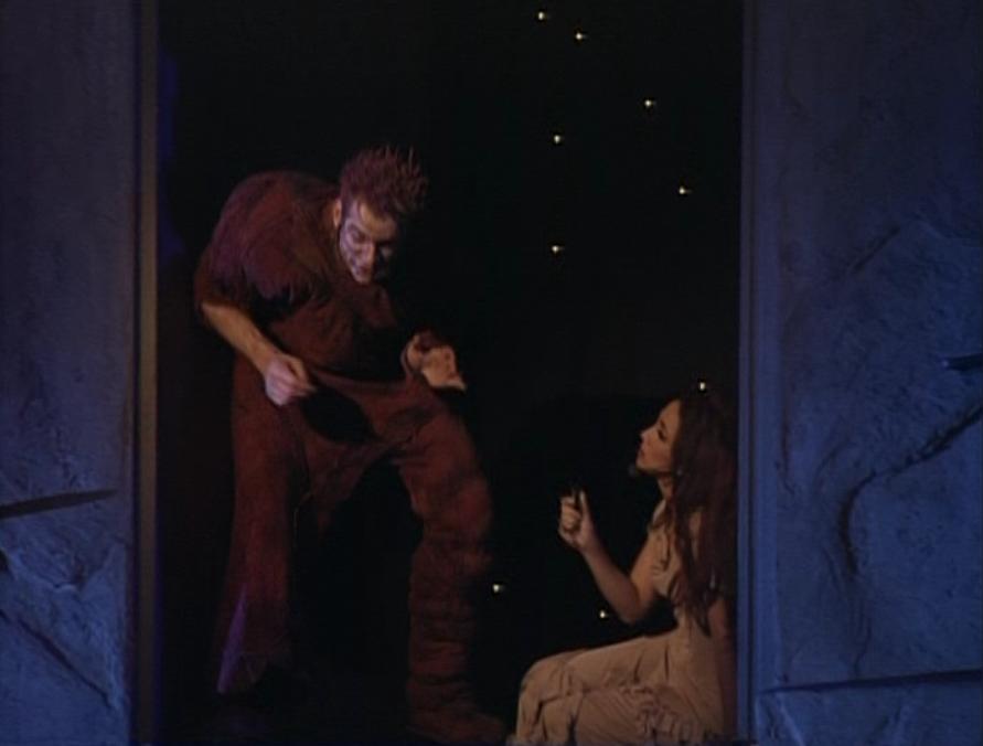 Garou as  Quasimodo and Helene Segara as Esmeralda Notre dame de Paris picture image