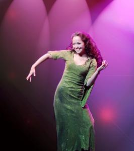 Esmeralda dancin' in the club (Candice Parise)