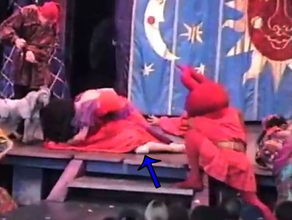 Disney Hunchback of Notre Dame Stage Show Esmeralda's Kneepad image picture