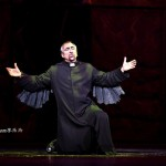 Robert Marien as Frollo 2012 Asian Tour Notre Dame de Paris picture image