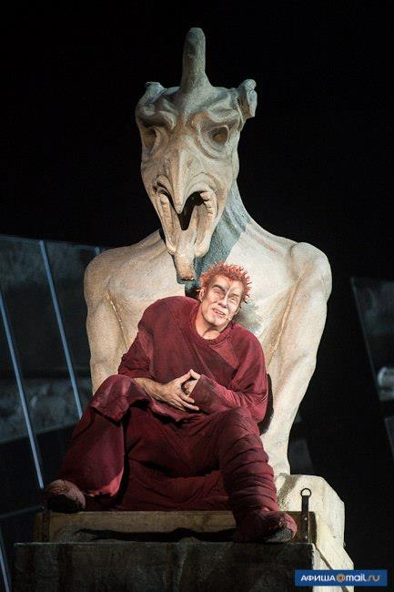 Matt Laurent as Quasimodo, World Tour Notre Dame de Paris, Crocus City picture image