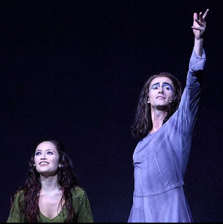 Candice Parise as Esmeralda & Tim Dressen as Gringoire, 2012 Asian Tour of Notre Dame de Paris picture image