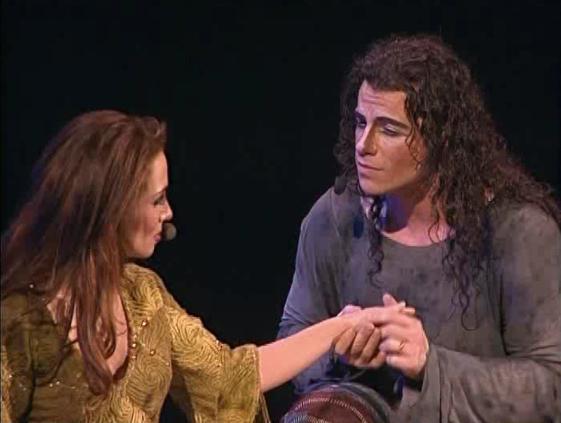 Bruno Pelletier as Gringoire with Helene Segara as Esmeralda in Notre Dame de Paris picture image
