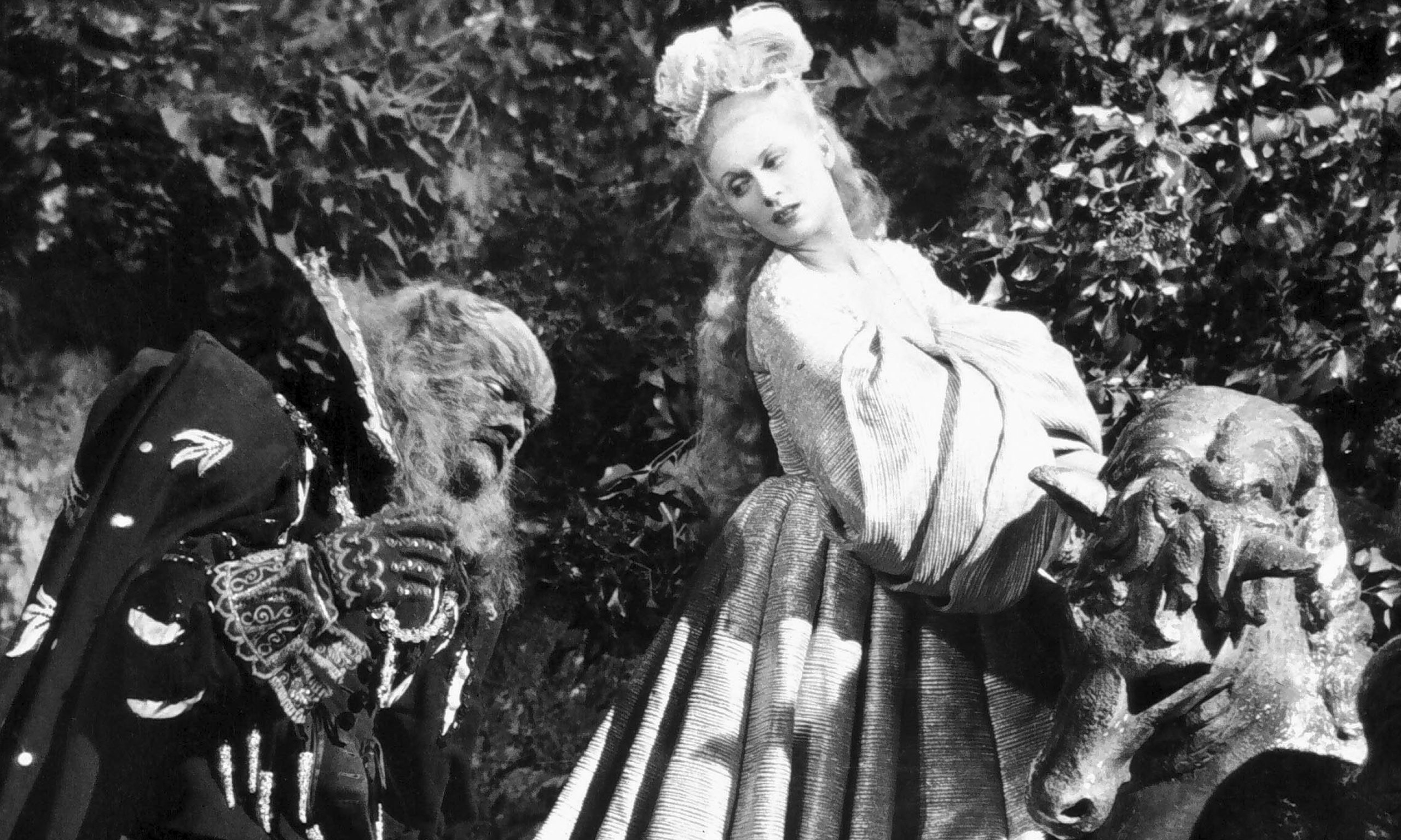 Josette Day as Belle and Jean Marais as The Beast La Belle et la Bete Jean Cocteau 1946 picture image