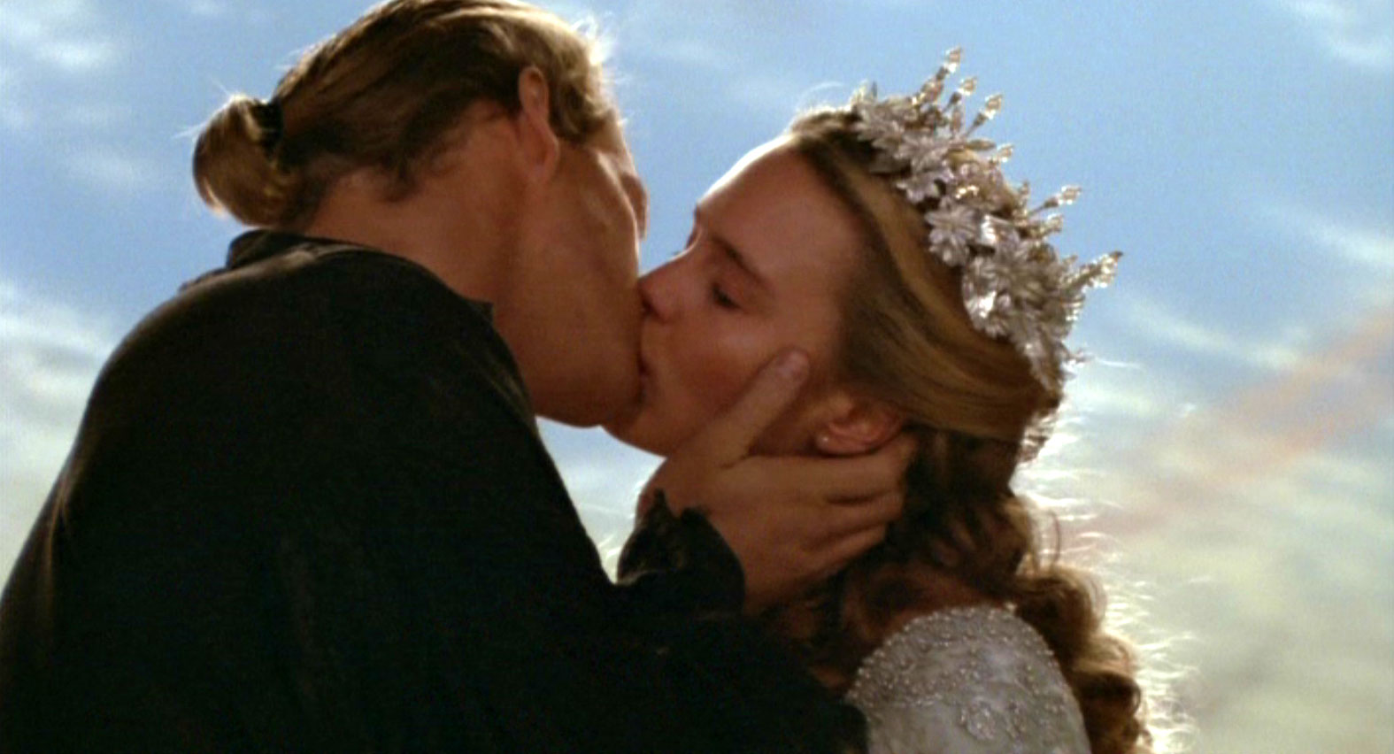 Cary Elwes as Westley and Robin Wright as Buttercup The Princess Bride picture image