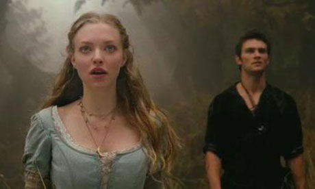 Amanda Seyfried as Valerie and Shiloh Fernandez as Peter Red Riding Hood picture image