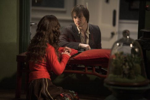 Christina Ricci as Penelope and James McAvoy as Johnny/Max Penelope picture image