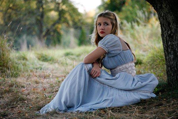 Eliza Bennett as Snow White Grimm's Snow White picture image