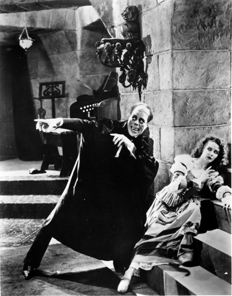 Lon Chaney as Erik, the Phantom and Mary Philbin as Christine Daae Phantom of the Opera, Picture image