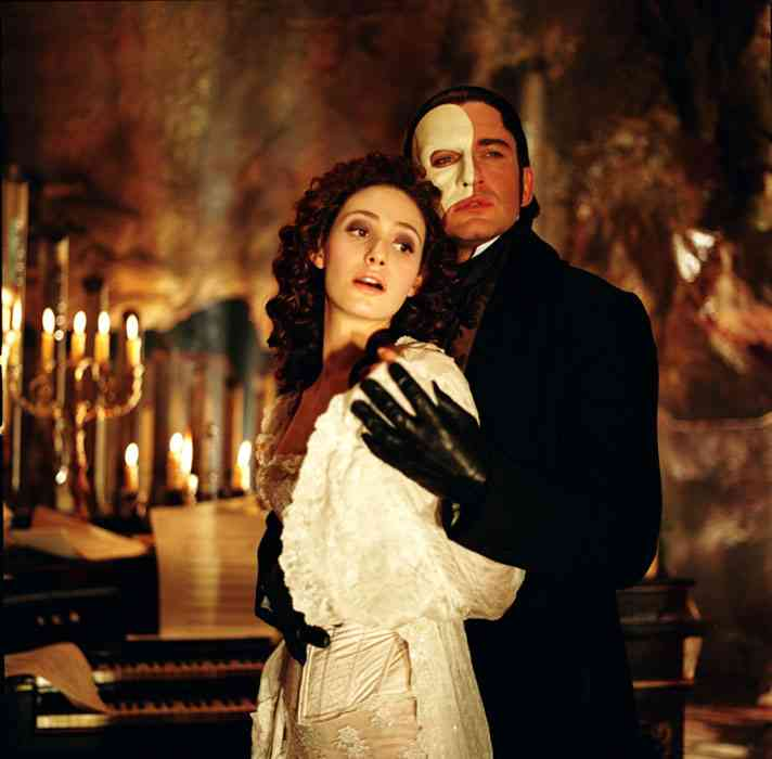 Gerald Butler as The Phantom & Emmy Rossum as Christine Daae The Phantom of the Opera 2004 picture image