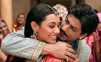 Rani Mukherji as Lachchi and Shah Rukh Khan as the Ghost Paheli picture image