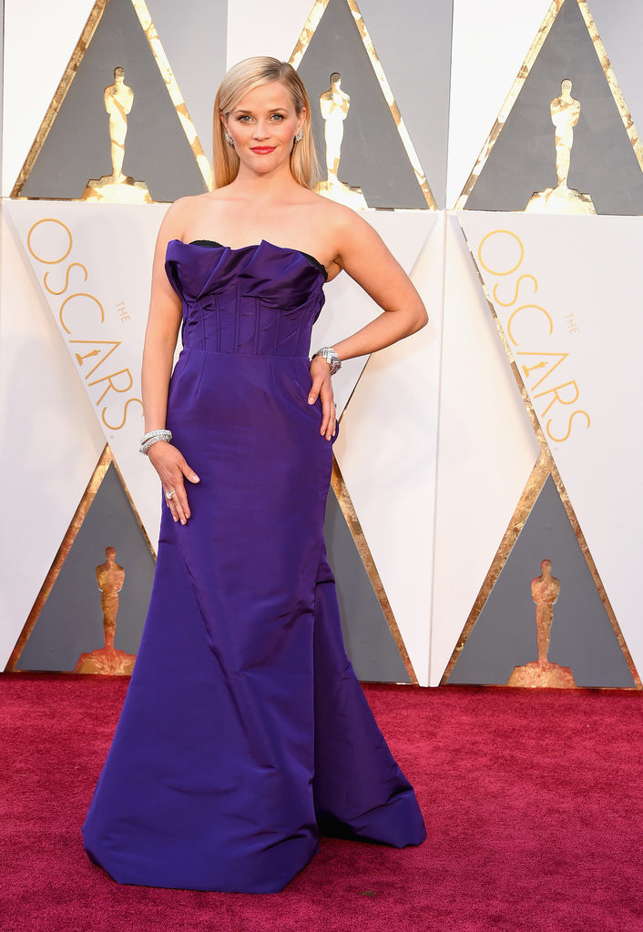 Reese Witherspoon wearing Oscar de la Renta at 2016 Oscars Image Source: Getty / Steve Granitz picture