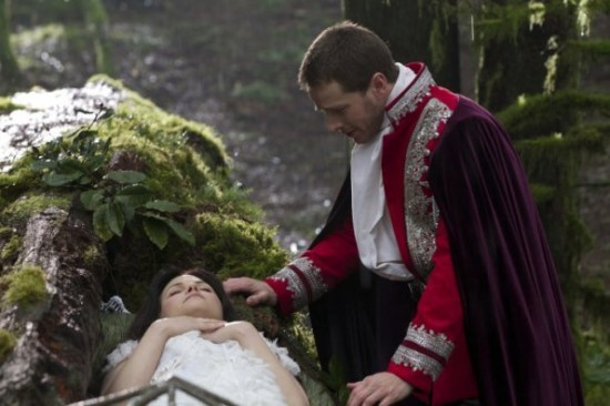 Ginnifer Goodwin as Snow White & Josh Dallas as Prince Charming once upon a time pilot season 1 episode 1 picture image