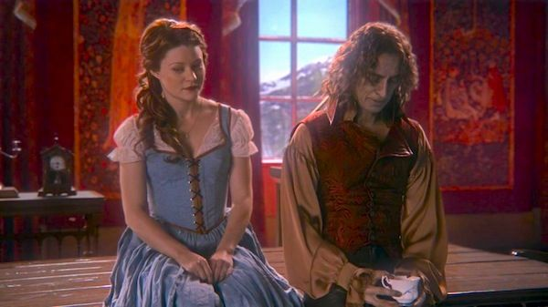 Robert Carlyle as Rumplestiltskin & Emilie de Ravin as Belle, ABC's Once Upon a Time, Skin Deep picture image