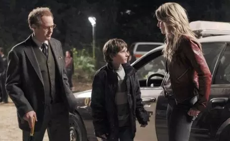 Raphael Sbarge as Dr. Archie Hopper, Jared S. Gilmore as Henry Mills, & Jennifer Morrison as Emma Swan Once Upon a Time Season 1 Episode 5; That Still Small Voice picture image