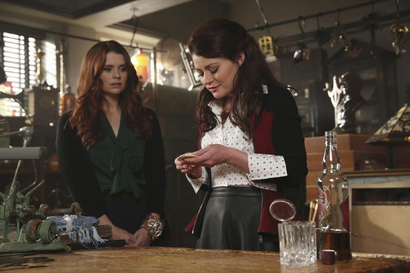 Emilie de Ravin as Belle & Joanna Garcia Swisher as Ariel ABCs Once Upon a Time Season 3 Episode 06, Dark Hallows Picture image